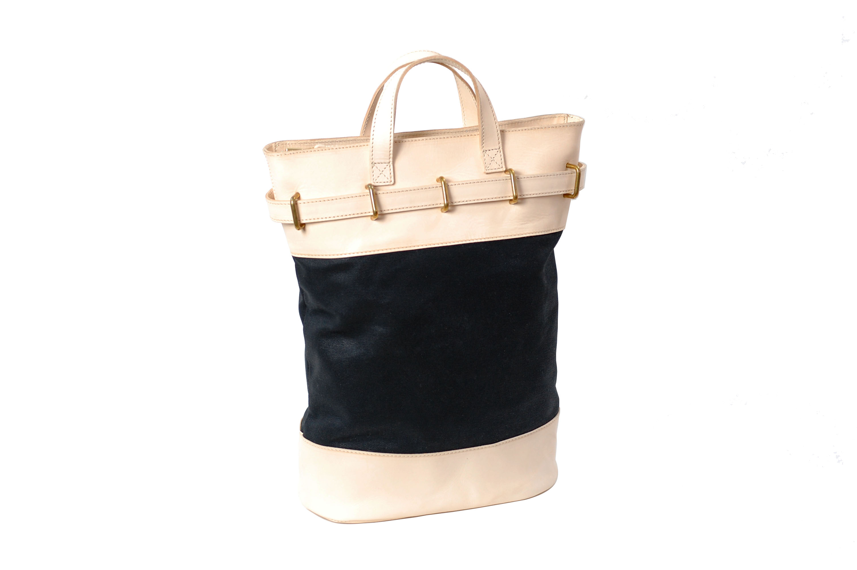 mahiout bag, mail bag in waxed cotton, natural tanned leahter and solid brass fittings, http.//www.contractor48.com, http://www.mahiout.com