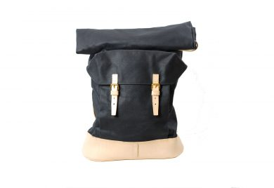 mahiout canton backpack in waxed cotton canvas, natural tanned leahter solid brass fittings, //ww.mahiout.com, //www.contractor48.com