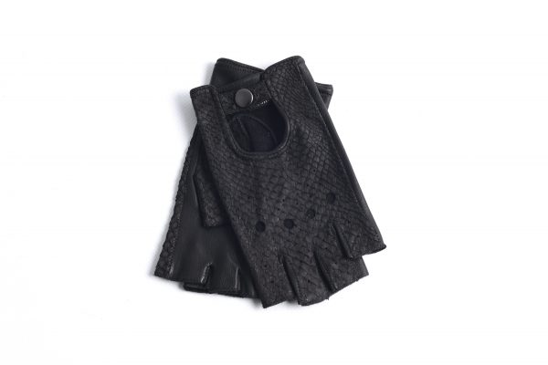 mahiout glovelettes in salmon skin