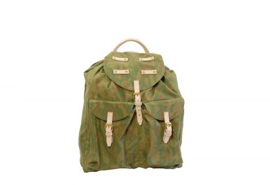Back pack in natural vegetable tanned leather, camo canvas and solid brass fittings. www.mahiout.com, www.contractor48.com