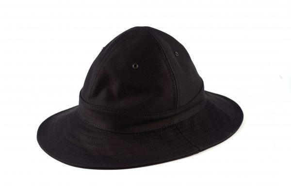 fabrication locale martial hat in moleskin
